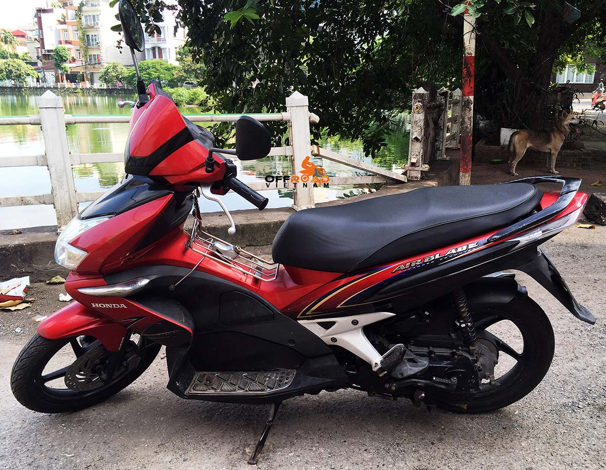 Honda 110cc fully automatic scooter Air Blade 2009, discontinued