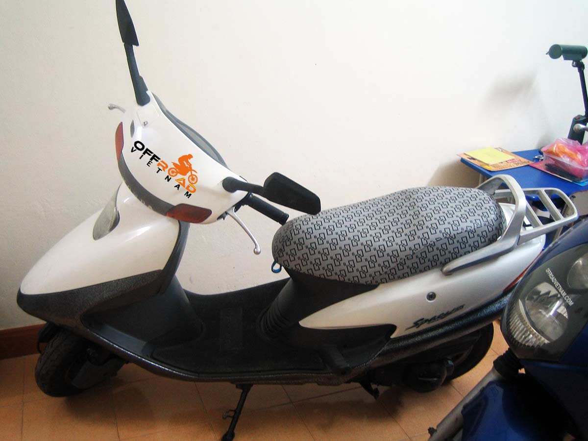 Hanoi Scooter Rental - discontinued 125cc Motor-Scooters Honda Spacy 125cc