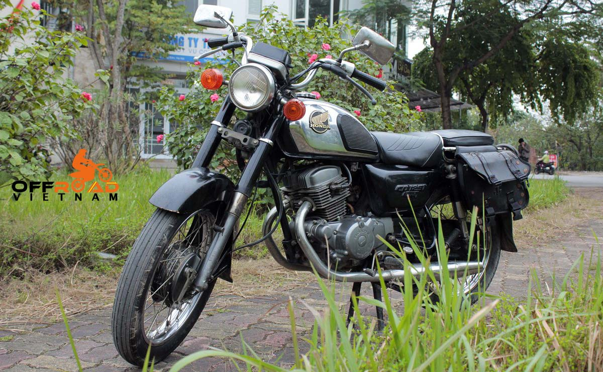 Hanoi Motorbike Rental - Discontinued 125cc manual motorbikes: Honda road and street bike CB125T Benly or CD Benly 125cc
