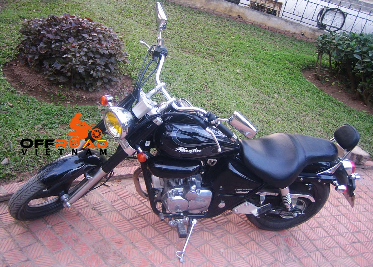Hanoi Motorbike Rental - 200cc Motorcycles: Honda Phantom 200cc Fire edition