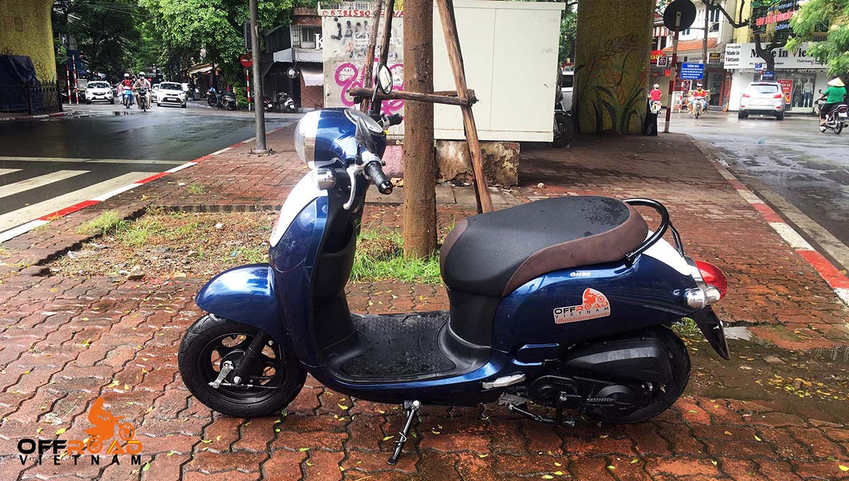 50cc scooter hire at Hanoi Motorbike Rental. GN-50 50cc fully-automatic.