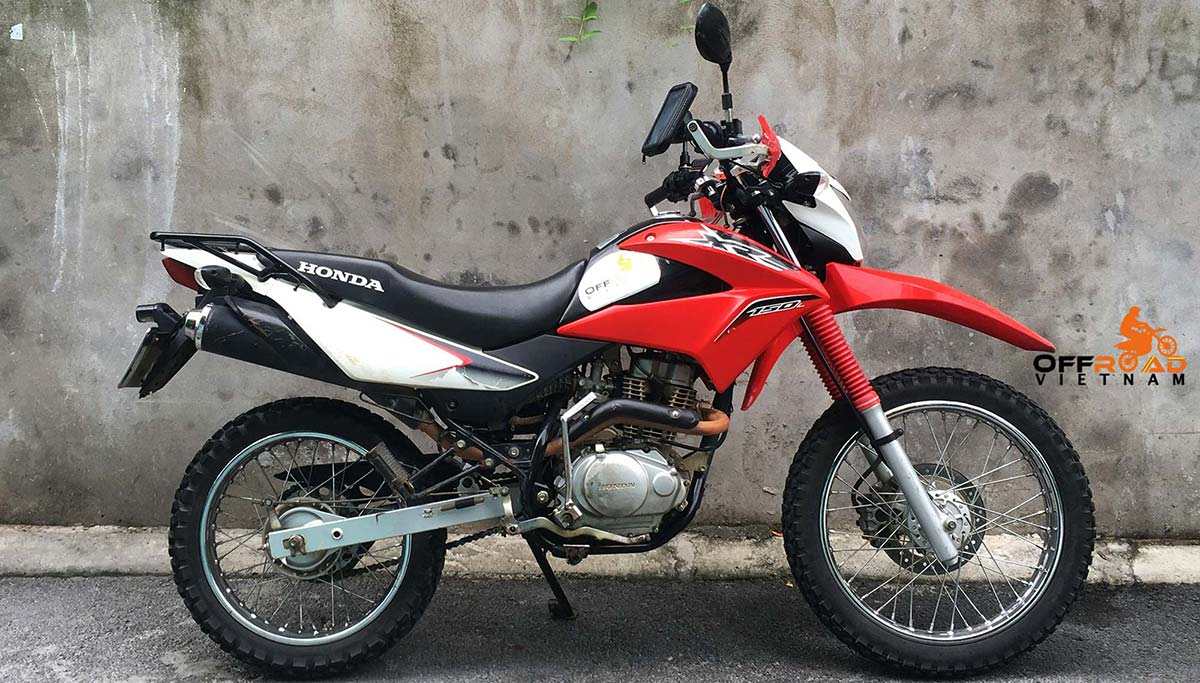 Honda XR150L For Rent In Hanoi, the best small off-road motorbike you can rely on in Hanoi.