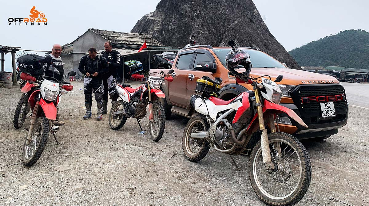 Hanoi Motorbike Rental - Ho Chi Minh Trail Motorcycle Tour 11 Days: On the road to Mai Chau.