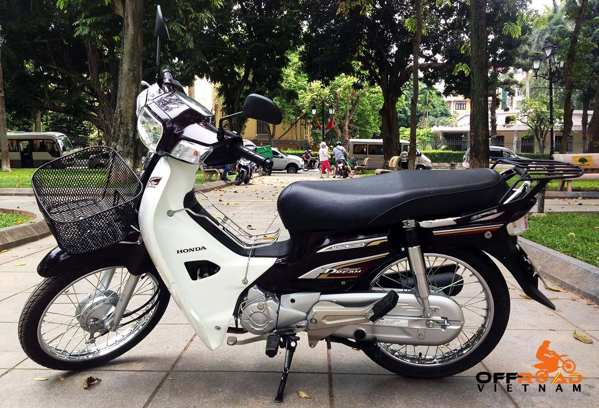 Hanoi Scooter Rental - 2014 Honda Super Dream 110cc Rental In Hanoi, Brown color, drum brakes.