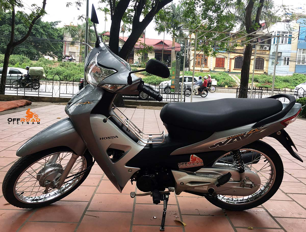 Hanoi Scooter Rental - Hire Honda Wave Alpha 100cc In Hanoi. The all new Honda Wave Alpha 2014 Series 100cc, sky blue color, front and back drum brakes 2014 model