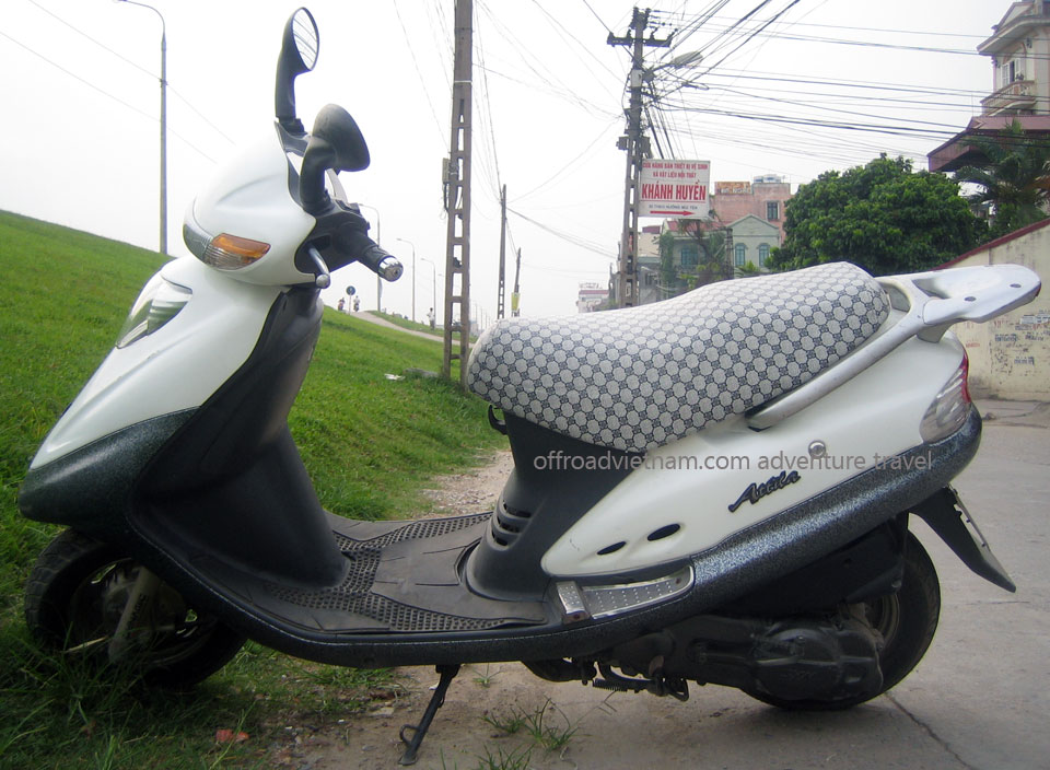 Hanoi Motorbike, Scooter Rental - 125cc Motor-Scooters: SYM fully automatic scooter Attila 125cc