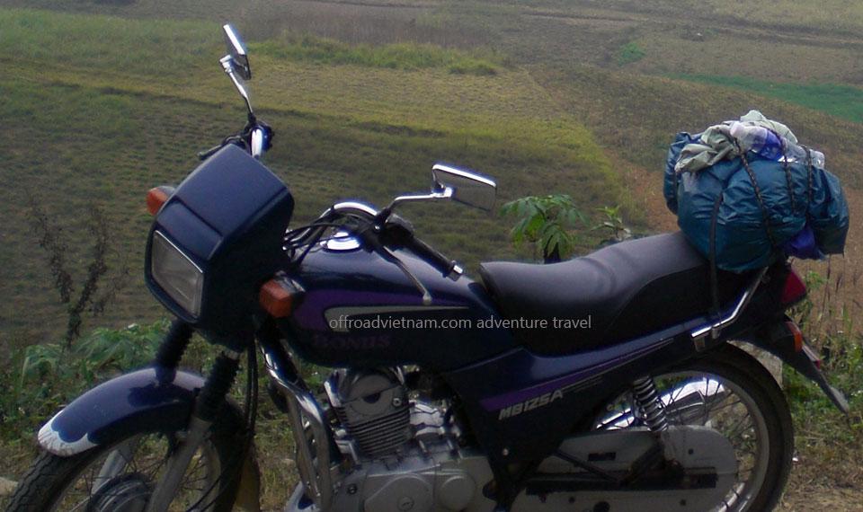 Hanoi Motorbike, Scooter Rental - 125cc Manual Bikes: SYM road and sport or street bike Bonus 125cc