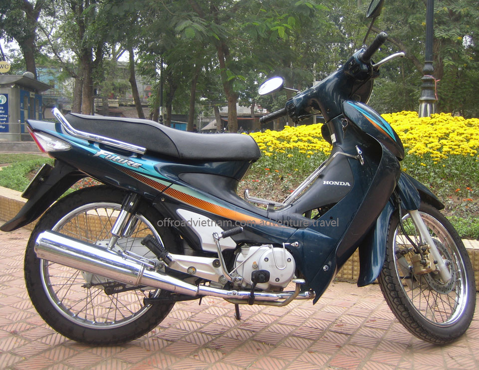 110cc Semi-Automatic Discontinued: Honda semi-automatic scooter Future 110cc