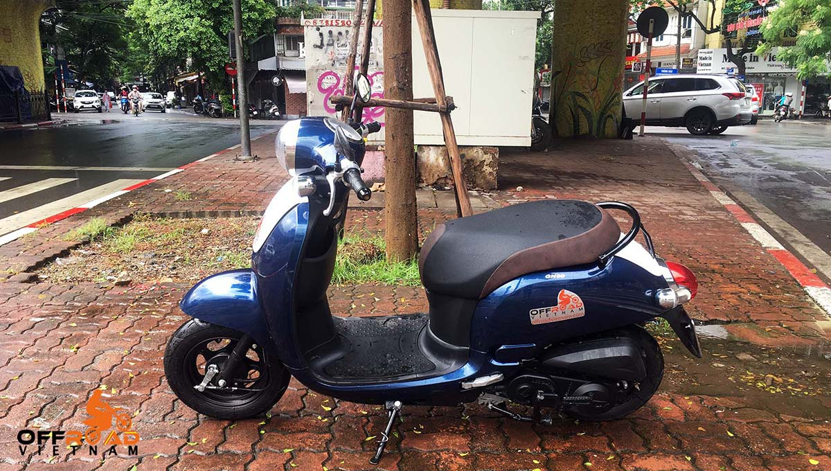Fully-automatic scooters 50cc GN-50, SYM Elite, SYM Elegant for rent in Hanoi, Northern Vietnam