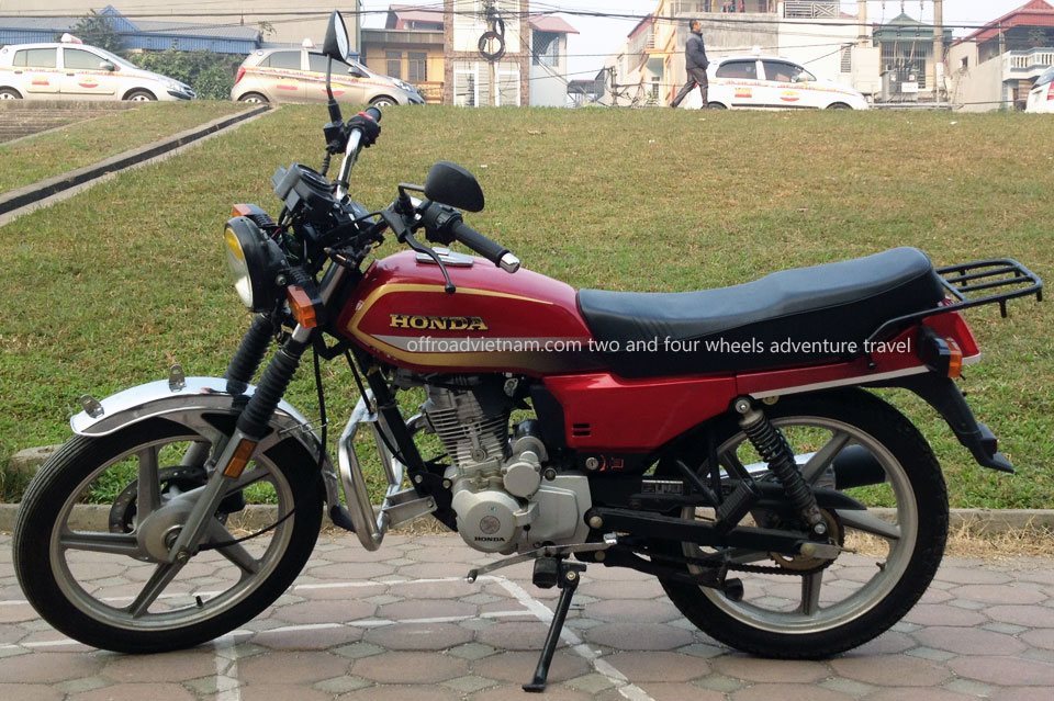 Hanoi Motorbike, Scooter Rental - Honda CGL Sport Touring Motorbike 125cc Red, Disc brake, cast wheels