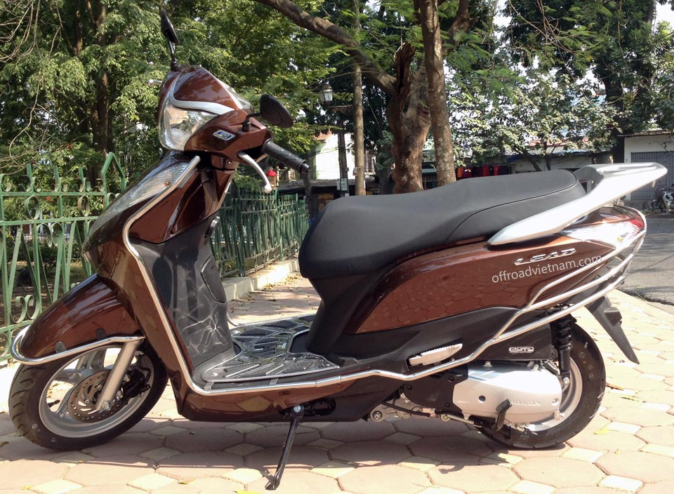 Hanoi Motorbike, Scooter Rental - Honda Lead 125cc Idling Stop. Honda Lead 125cc automatic scooter 2014
