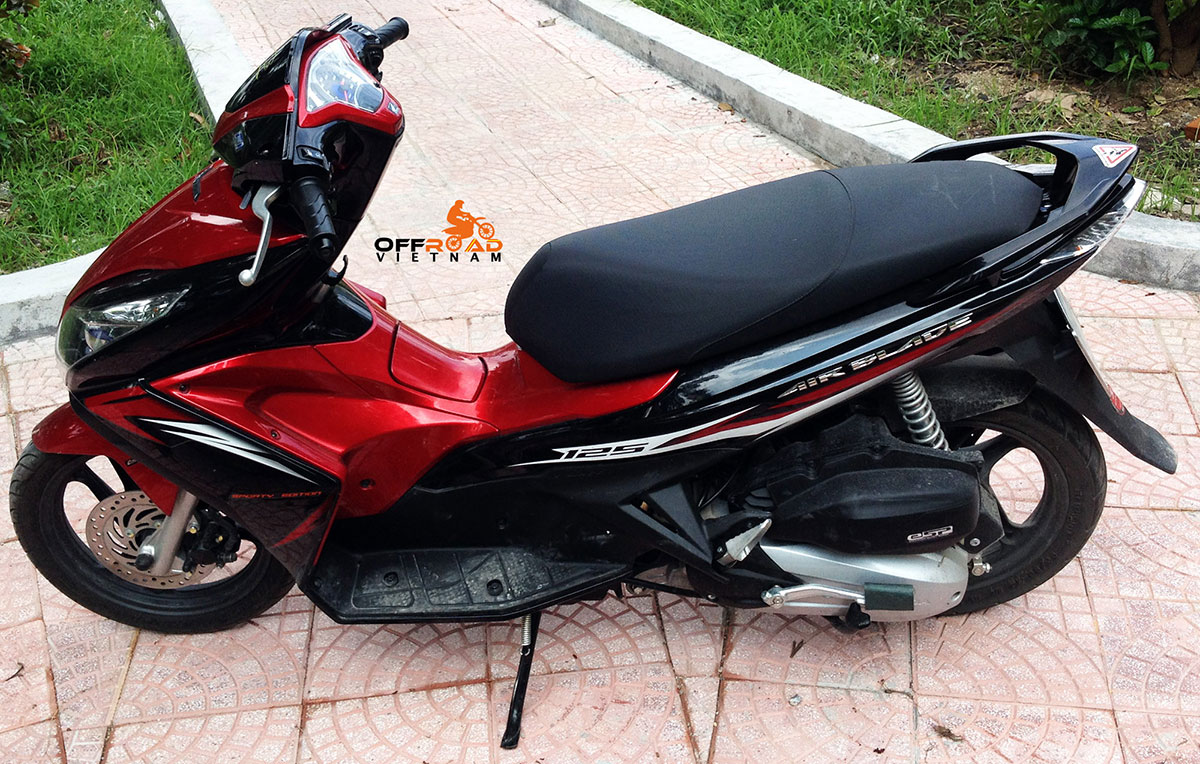 Hanoi Scooter Rental. Honda automatic scooter 2014 Air Blade 125cc