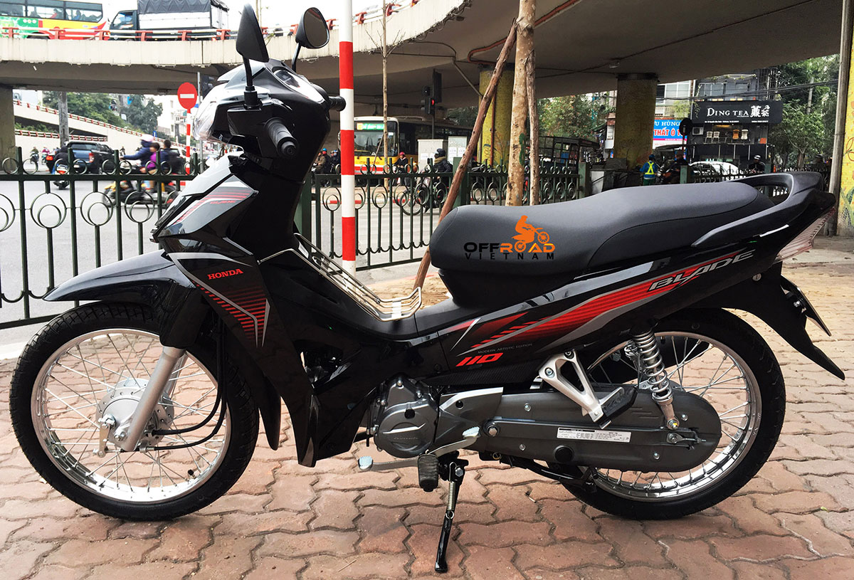 Hanoi Scooter Rental - Honda semi-automatic scooter Blade 110cc