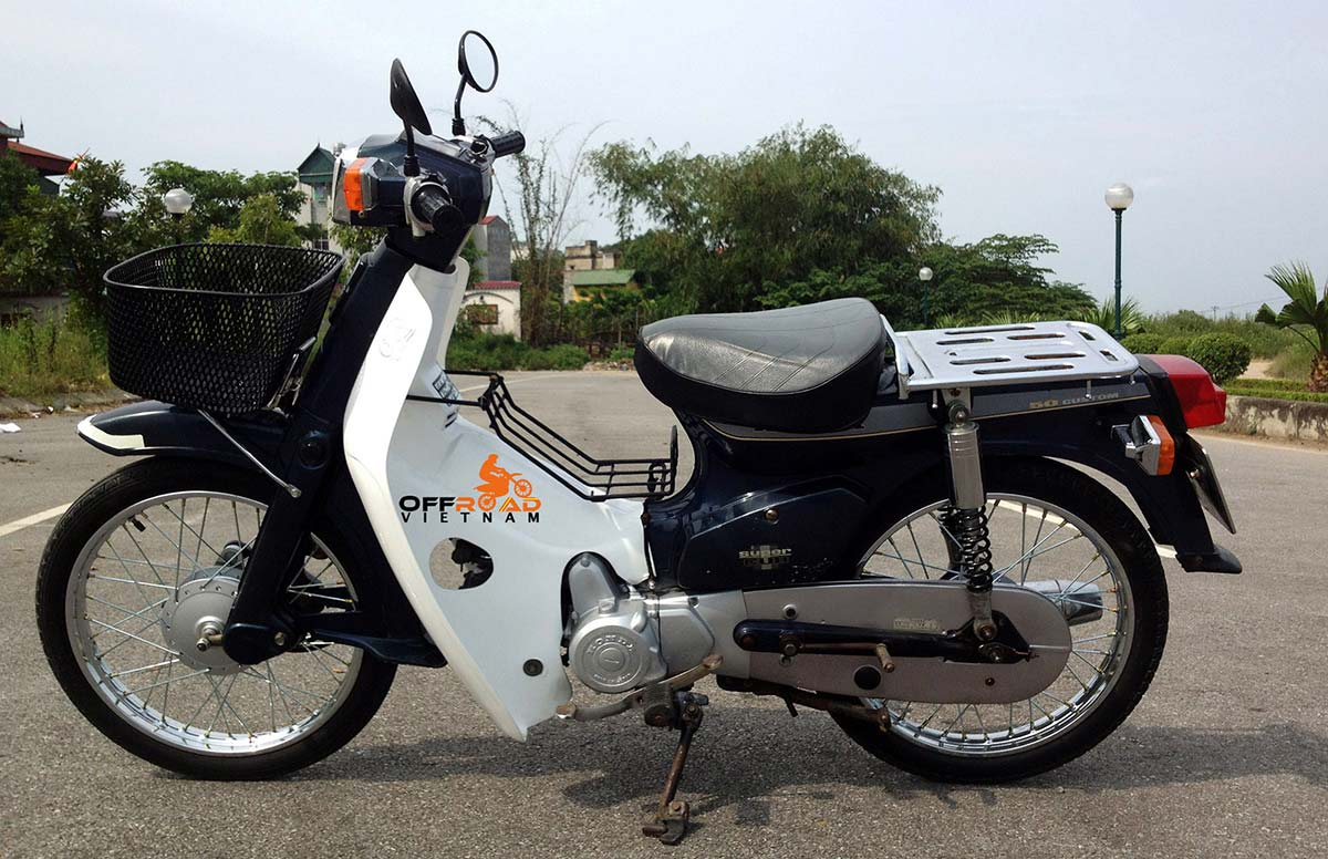 Hanoi Small Scooter Rental. This is blue 1993 model with 70cc over-bore kit for commuting in Hanoi.