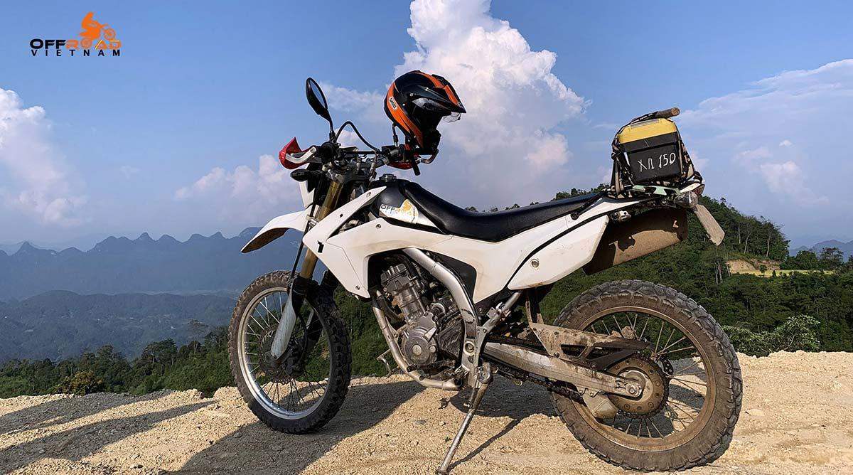 Honda CRF250L Dual Enduro Hire - Hanoi Motorbike Rental. White, front and back disc brakes.