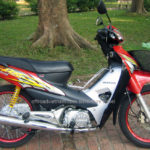 Honda Wave RS 100cc 2004 for rent in Hanoi. This is the second series of Wave.