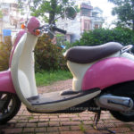 Honda Crea Scoopy 50cc 2002 for rent in Hanoi. This is the first model of Scoopy/Metropolitian series.